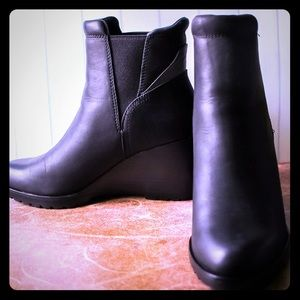 Sorel Chelsea wedge boots